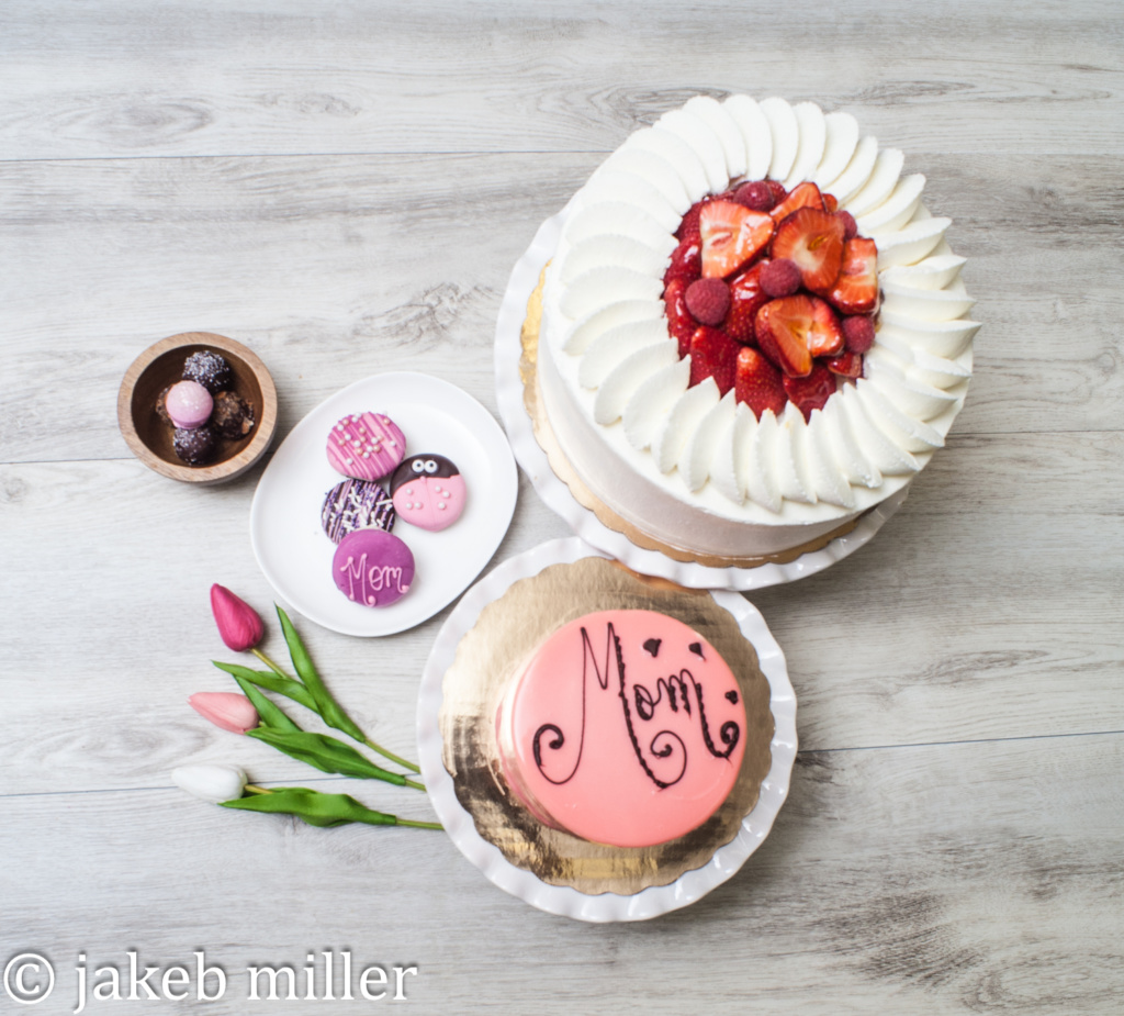 Cakes for Mom